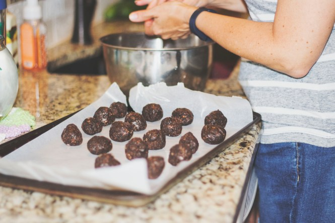 Nestlé® Crunch® chocolate truffles are the way to go! Read on for the recipe: