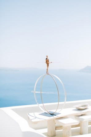 Santorini-wedding-day-portrait-photoshoot0083
