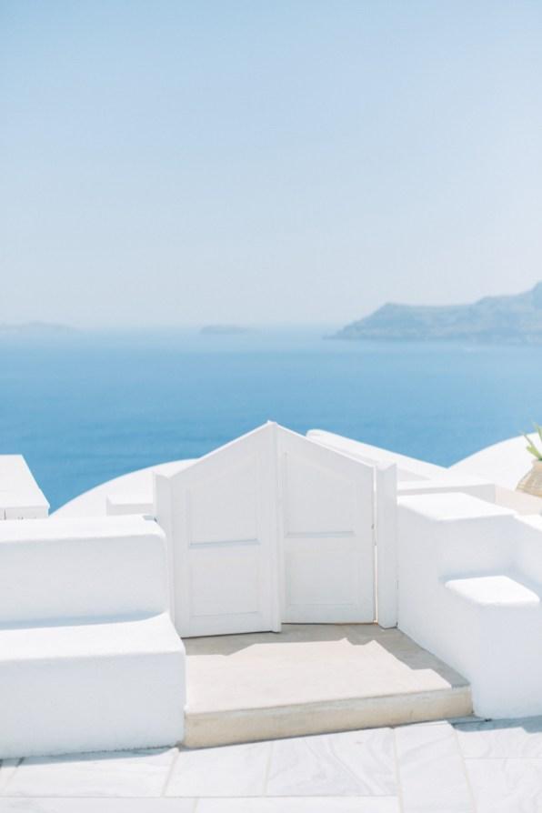 Santorini-wedding-day-portrait-photoshoot0091