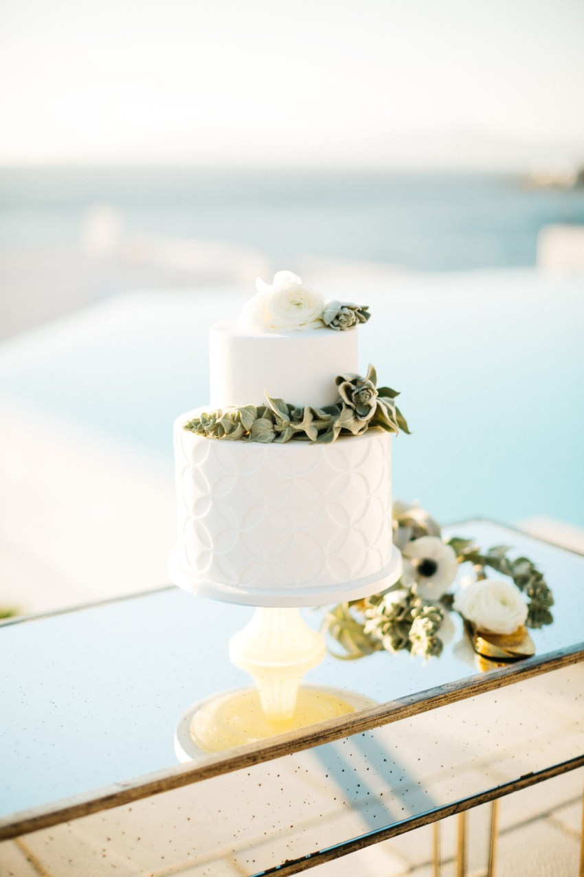 Luxury wedding reception and dinner setup by DeplanV for a white villa wedding inspiration session in Loyal Villas Luxury, Mykonos, Greece.