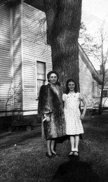 Ruby and Lavonne Hanneman at home in Mauston.