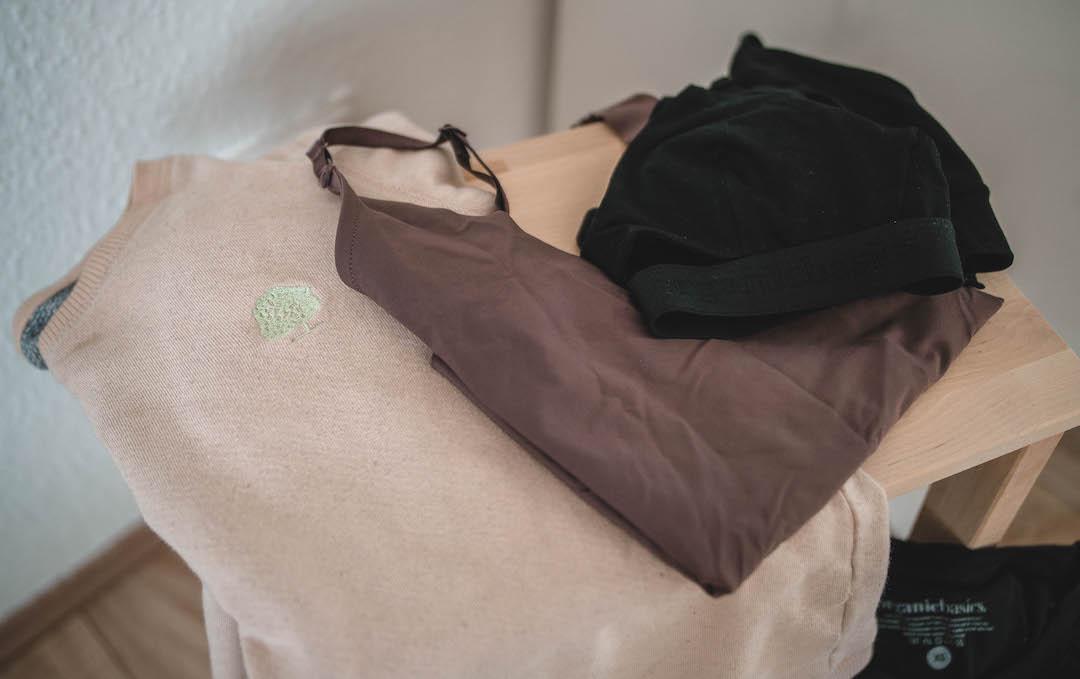 Nachhaltige Mode von Greenshirts und Organic Basics