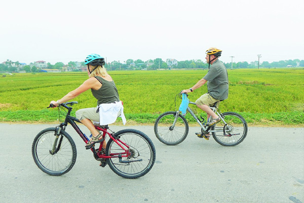 Hanoi Bike Tour One Day Trip, Cycling to countryside