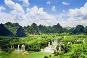 Northeast Vietnam 5 Day Tours