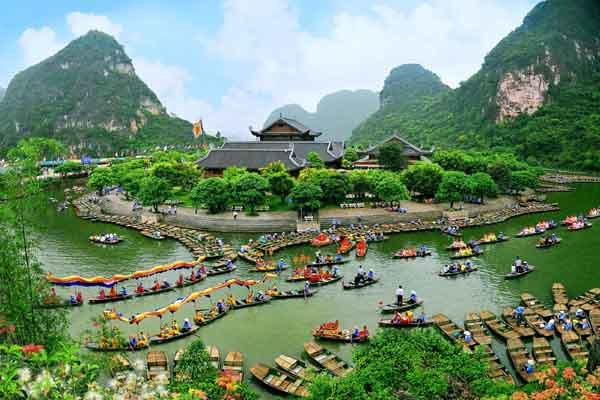 Hanoi Local Tour Ninh Binh Halong, Nature and Culture Heritage Sites