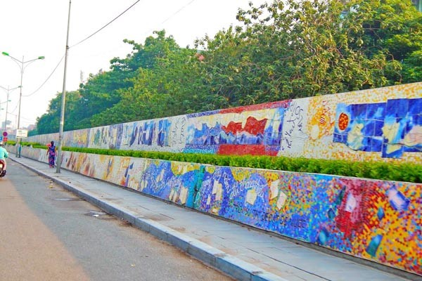 travel hanoi ceramic road