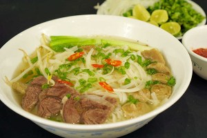 Phở Bò (Noodle soup with Beef)