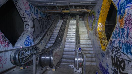 Verlaten Metro Charleroi 2019-16