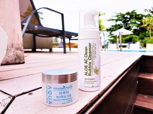 Aloe AC Cleans Bubble Cleanser and Aqua Whitening Cream 2