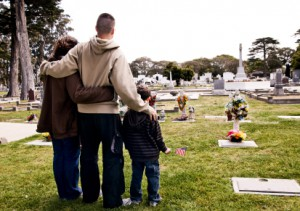 Family at Cemetery | Hansen-Spear Funeral Home - Quincy, IL