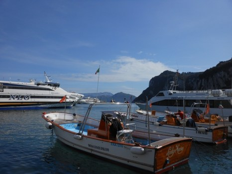 boat ride to the blue grotto