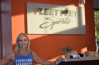 katie-fleet-feet-sign