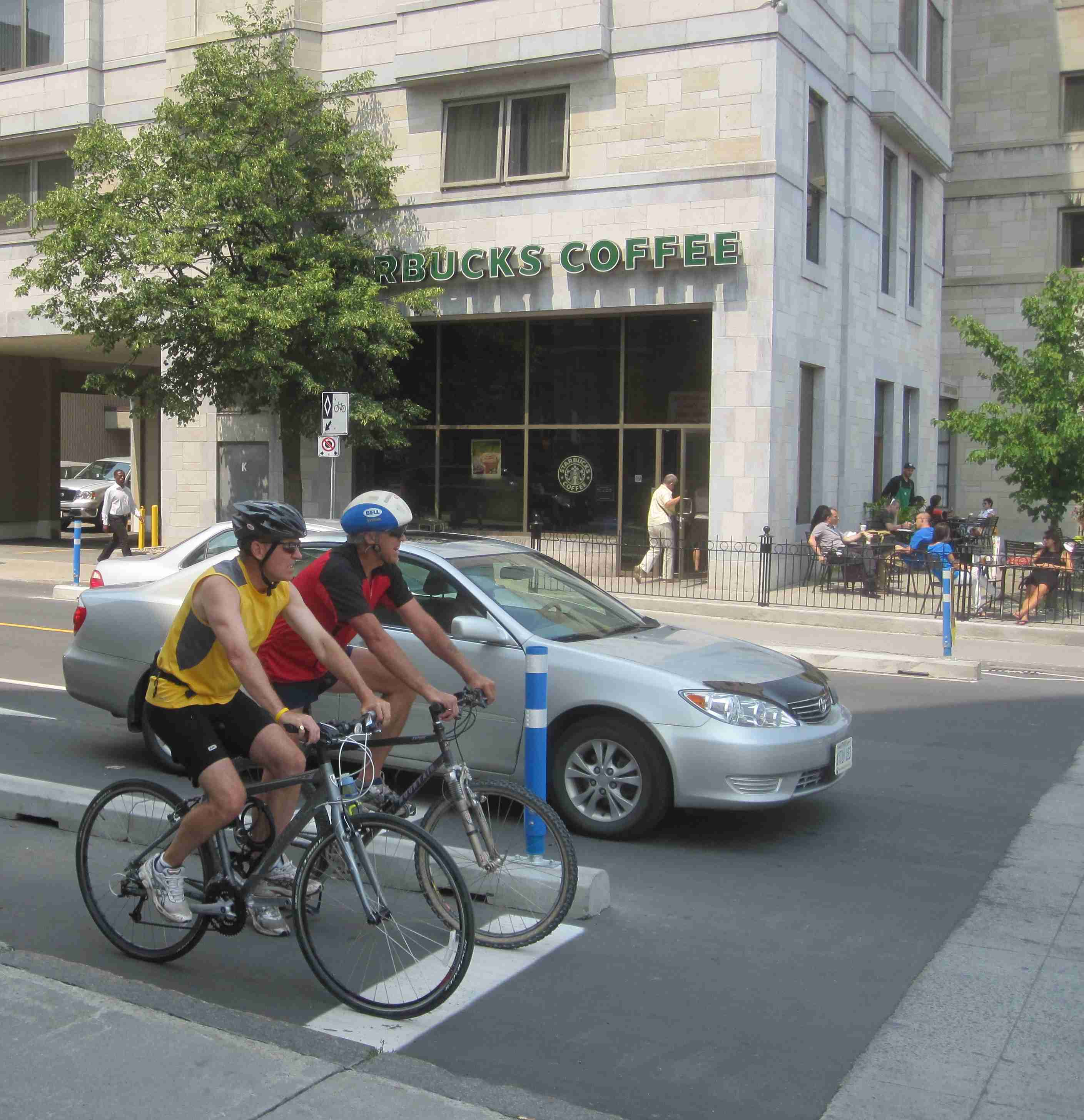Ottawa Bicycle Culture – Starbucks