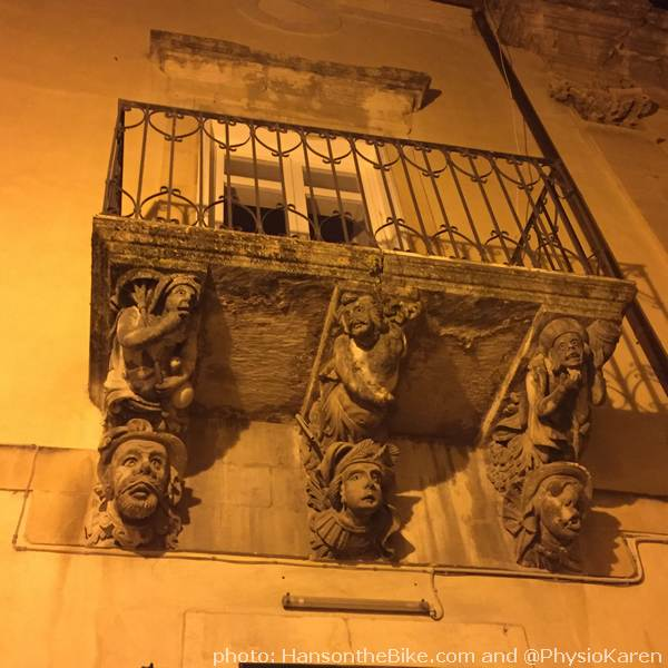 Richly decorated balcony in Ragusa.