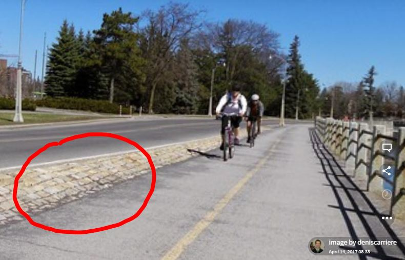 A better physical separation at the other side of the canal at Lansdowne Park. Photo: Denis Carriere from Mapillary.com