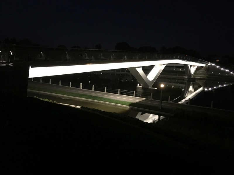 Flora bridge by night