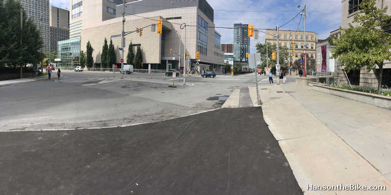 Start of pathway at LAurier