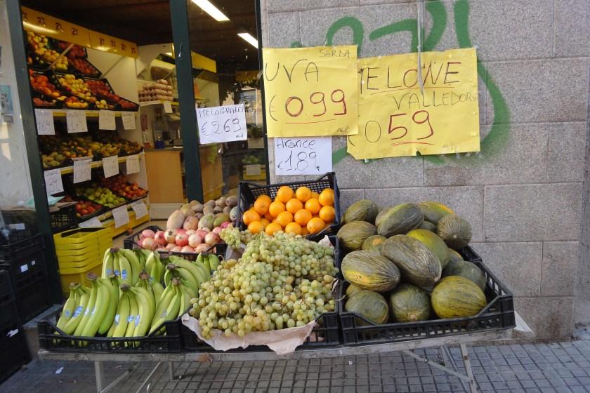 Obststand auf Sardinien