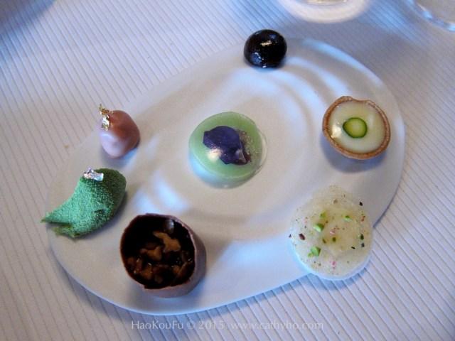 在Pierre Gagnaire 所享用到的甜點,色彩繽紛無比