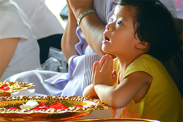 食前の(英語の)祈りで表す「いただきます」