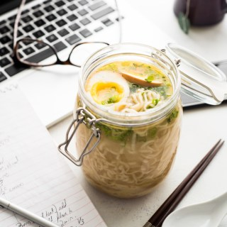 Take-to-Work Mason Jar Ramen