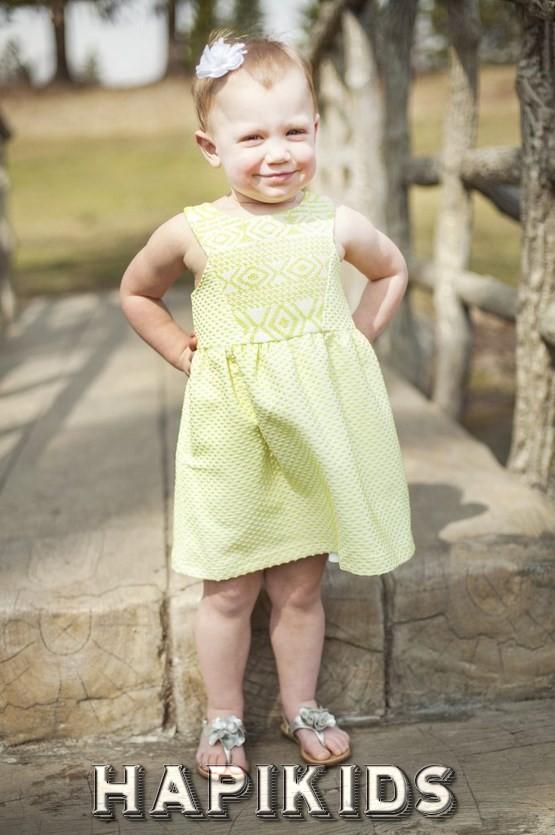 Модные платья для девочек и костюмы для мальчиков 2018