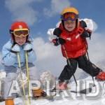 Ребенок на лыжах
