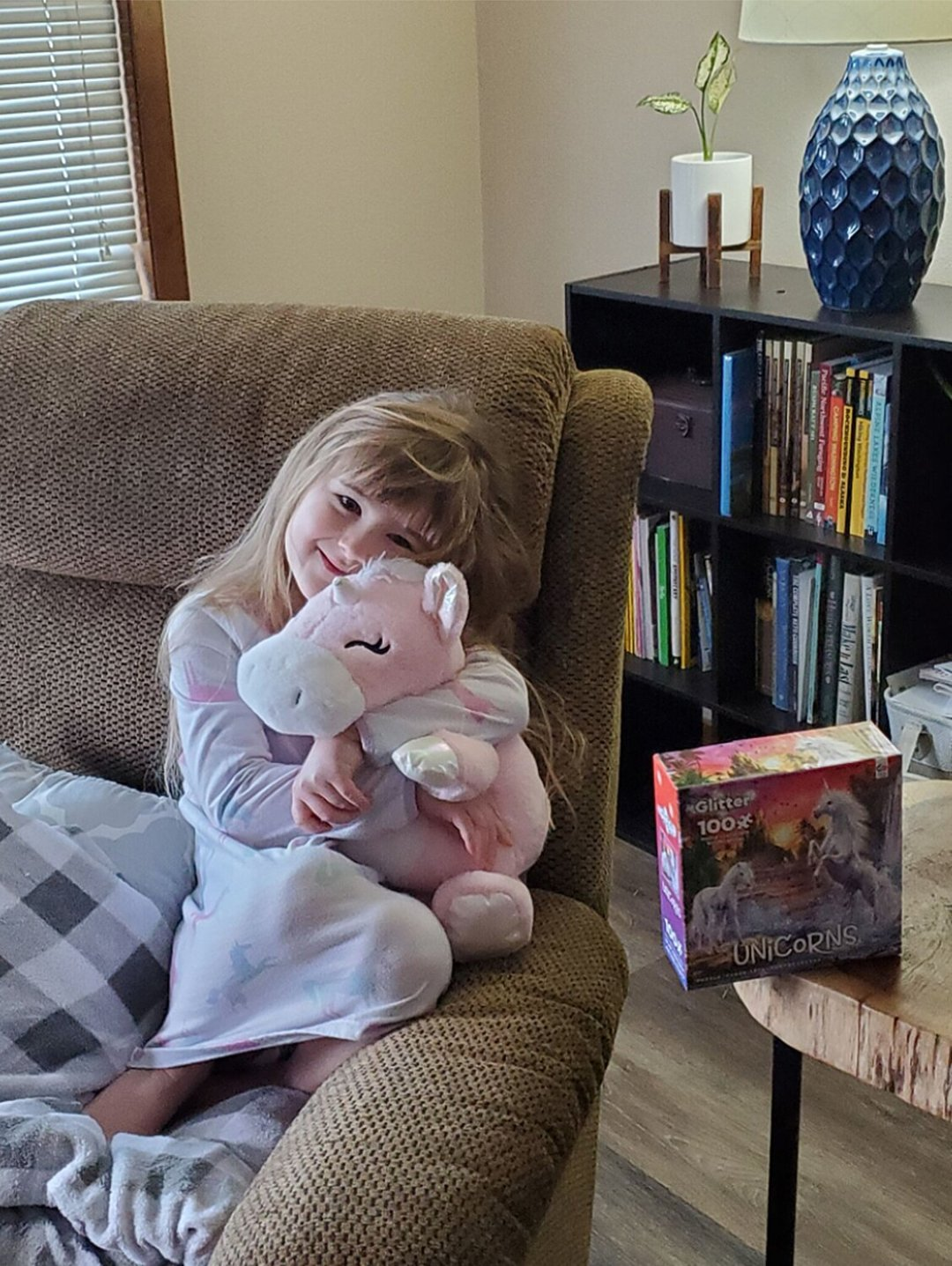 5-Year-Old Girl Asks Mailman for Unicorn and He Delivers   PEOPLE.com