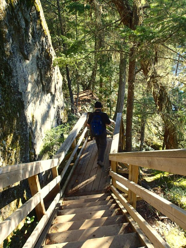 Brohm Lake trail stairs