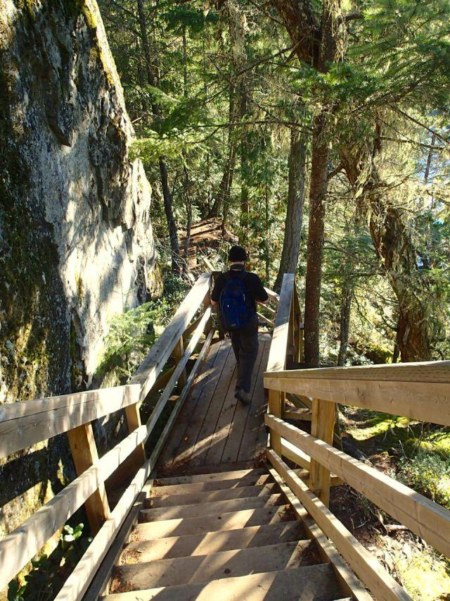 Brohm Lake trail stairs