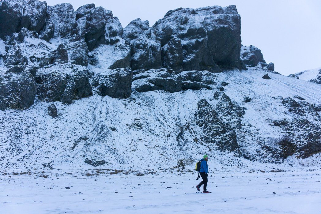 Winter hiking in Iceland. Find out how to have a great winter walk with these 8 tips for winter hiking.