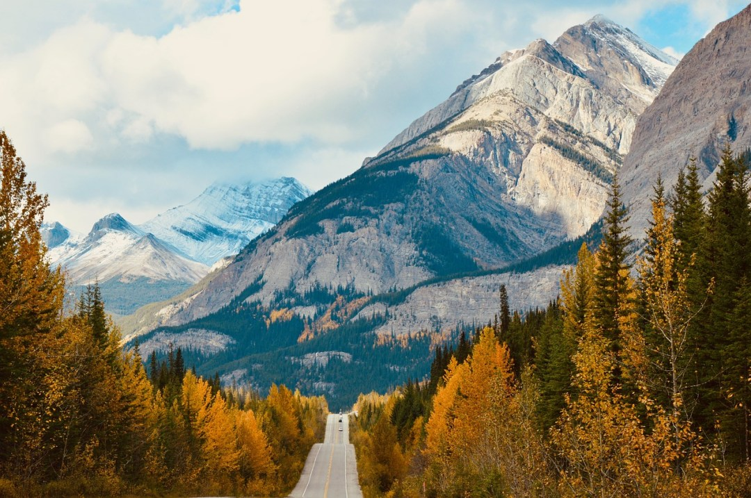 Icefields Parkway in Jasper National Park. Take a Canadian National Parks road trip to see all of Canada's National Parks in one trip.
