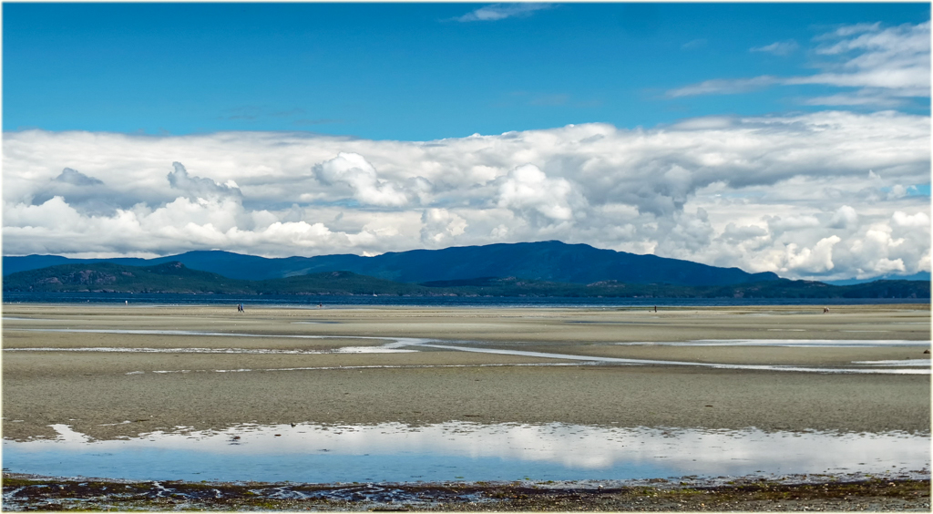 Beach in Parksville on Vancouver Island