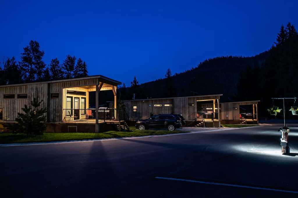 Boulder Mountain Resort cabins near Revelstoke