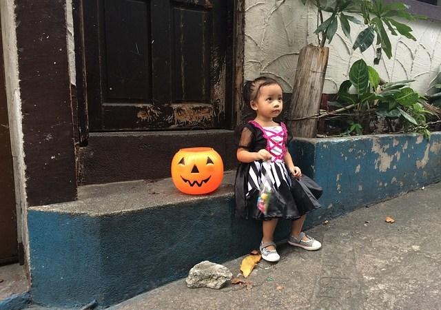 Six Ways to Save Money on Halloween Costumes