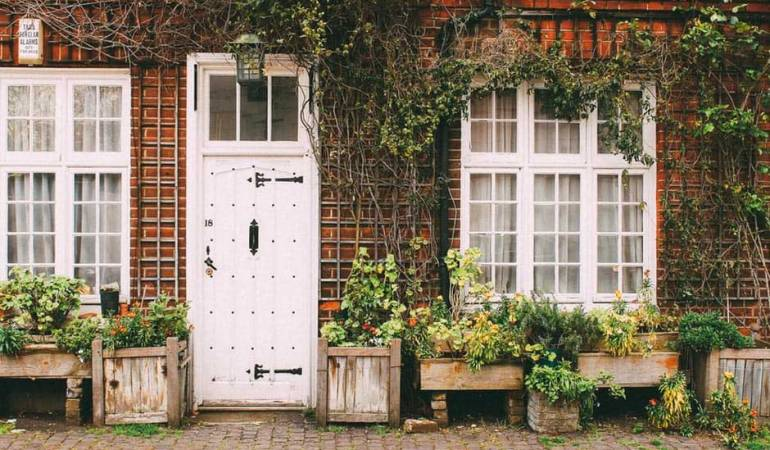 Home Security Checklist to Lessen Your Vacation Vexations