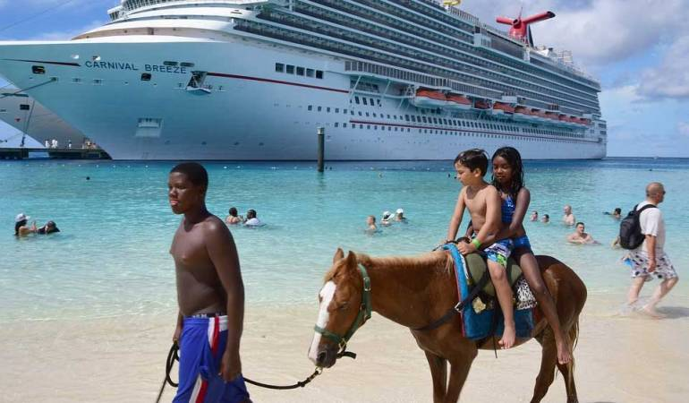 Why Cruising Makes the Perfect Family Vacation