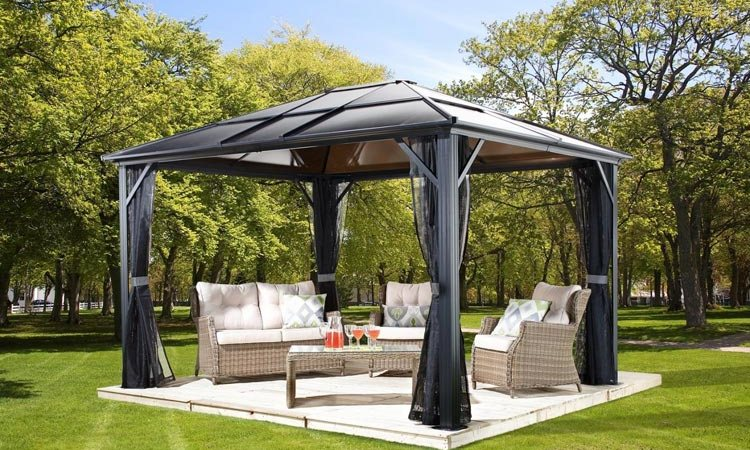 How To Make Your Gazebo Useful For All Seasons