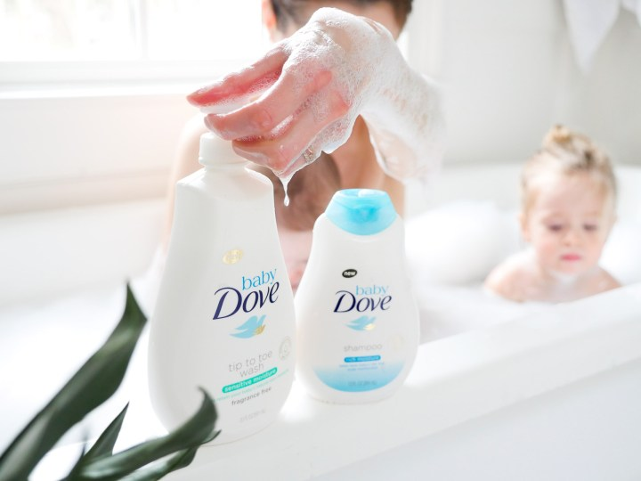 Eva Amurri Martino reaches for Baby Dove shampoo while in the tub with her two children