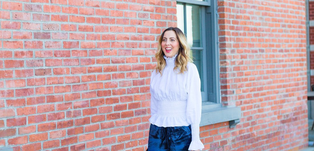 Eva Amurri Martino walks around Westport, CT