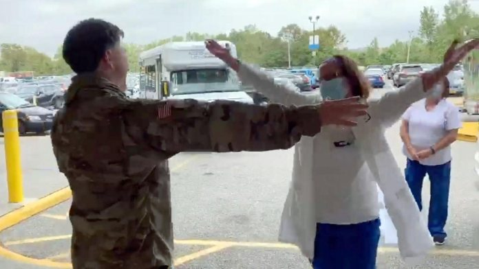 soldier reunites with covid nurse mom
