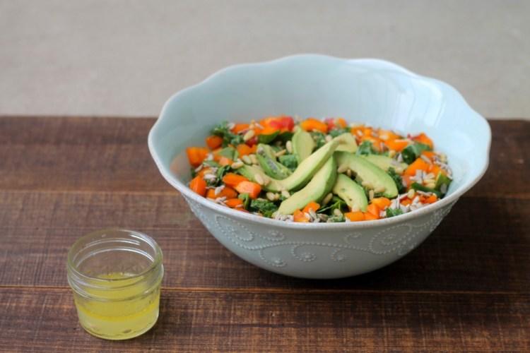 Zesty Veggie Salad | read more at happilythehicks.com
