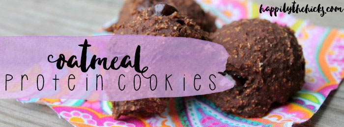 Oatmeal Protein Cookies | read more at happilythehicks.com