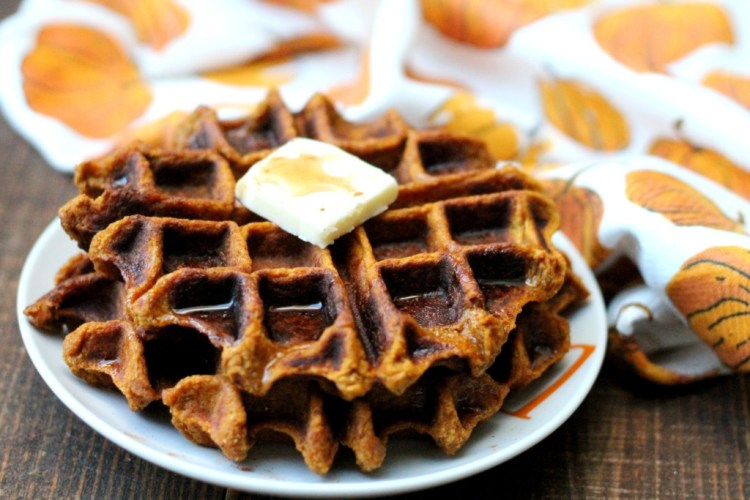 Pumpkin Spice Waffles- Fall Recipe Series   read more at happilythehicks.com