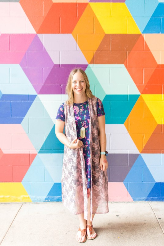 Go back to school shopping with LuLaRoe- Carly and Joy! | read more at happilythehicks.com