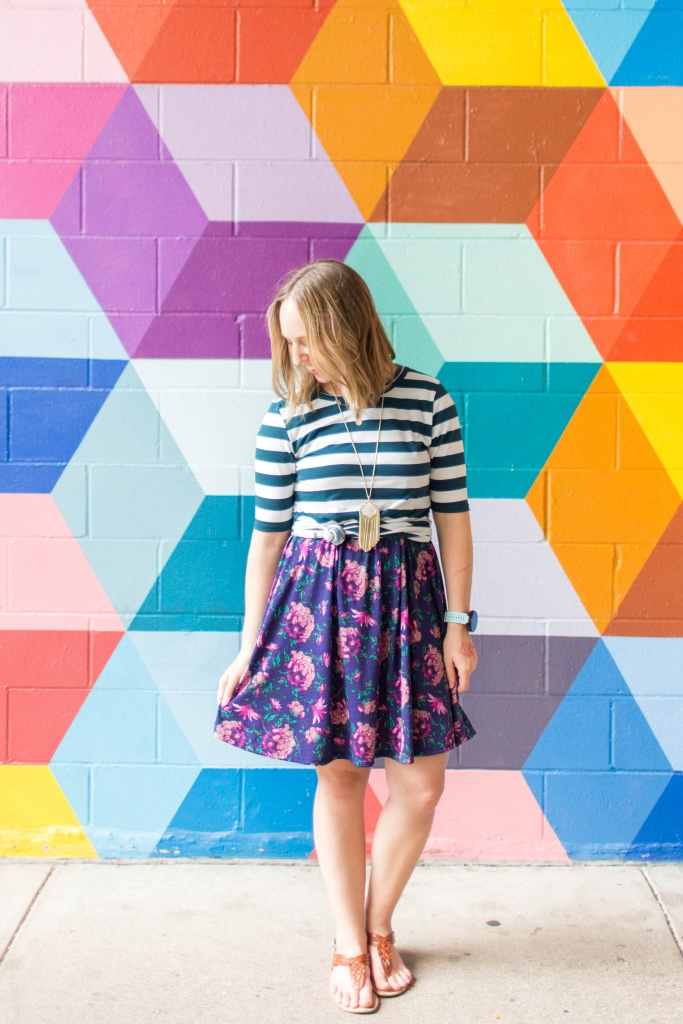 Go back to school shopping with LuLaRoe- Carly and Gigi! | read more at happilythehicks.com