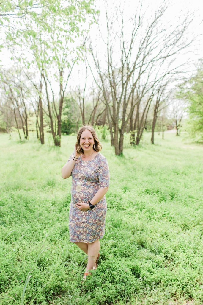 Second Trimester Outfits with LuLaRoe   read more at happilythehicks.com