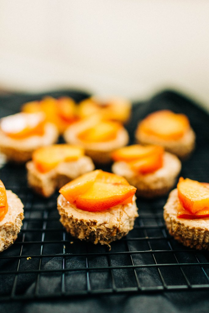 Peaches and Cream Mini Cheesecakes | read more at happilythehicks.com