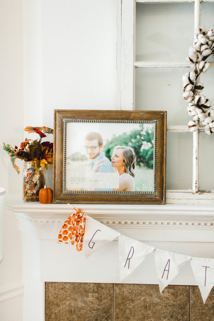 Fall Decor Home Tour | read more at happilythehicks.com