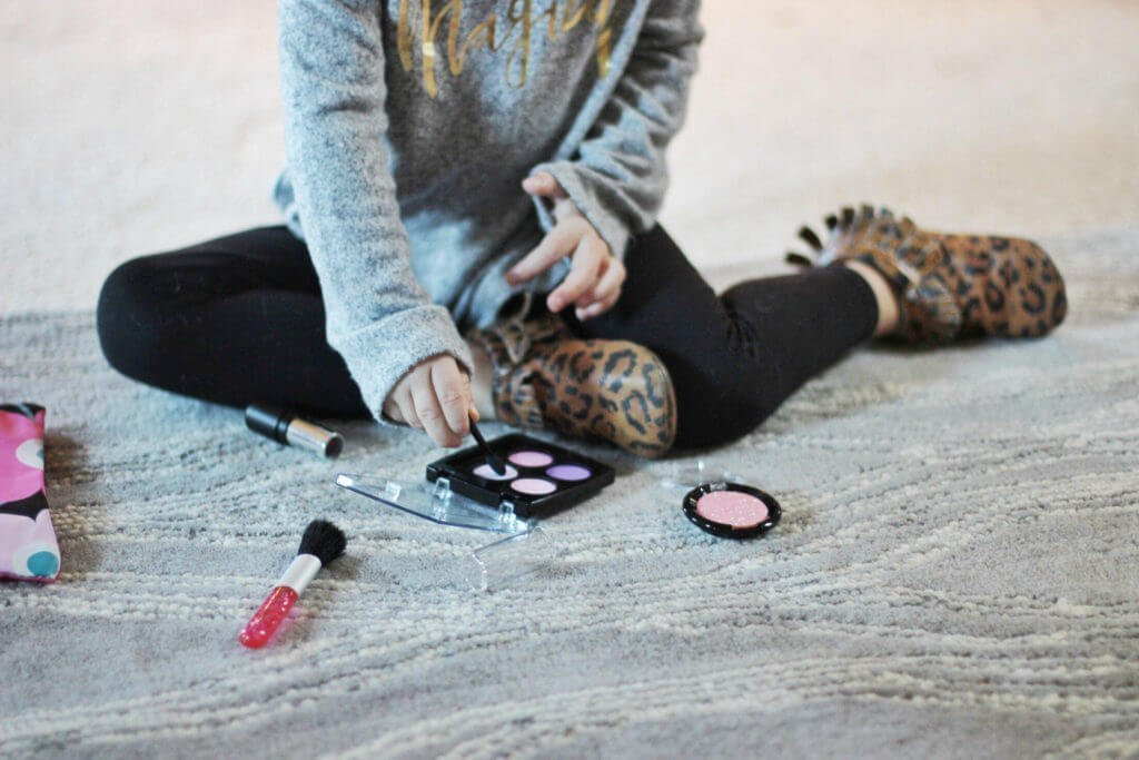 Blaire playing with Little Cosmetics